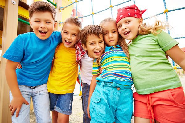 5 ways to help your child make friends - advice from child psychologists in Sydney's northern beaches